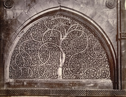 Close view of perforated sandstone window in back wall of Sidi Sayyid's Mosque, Ahmadabad 1768